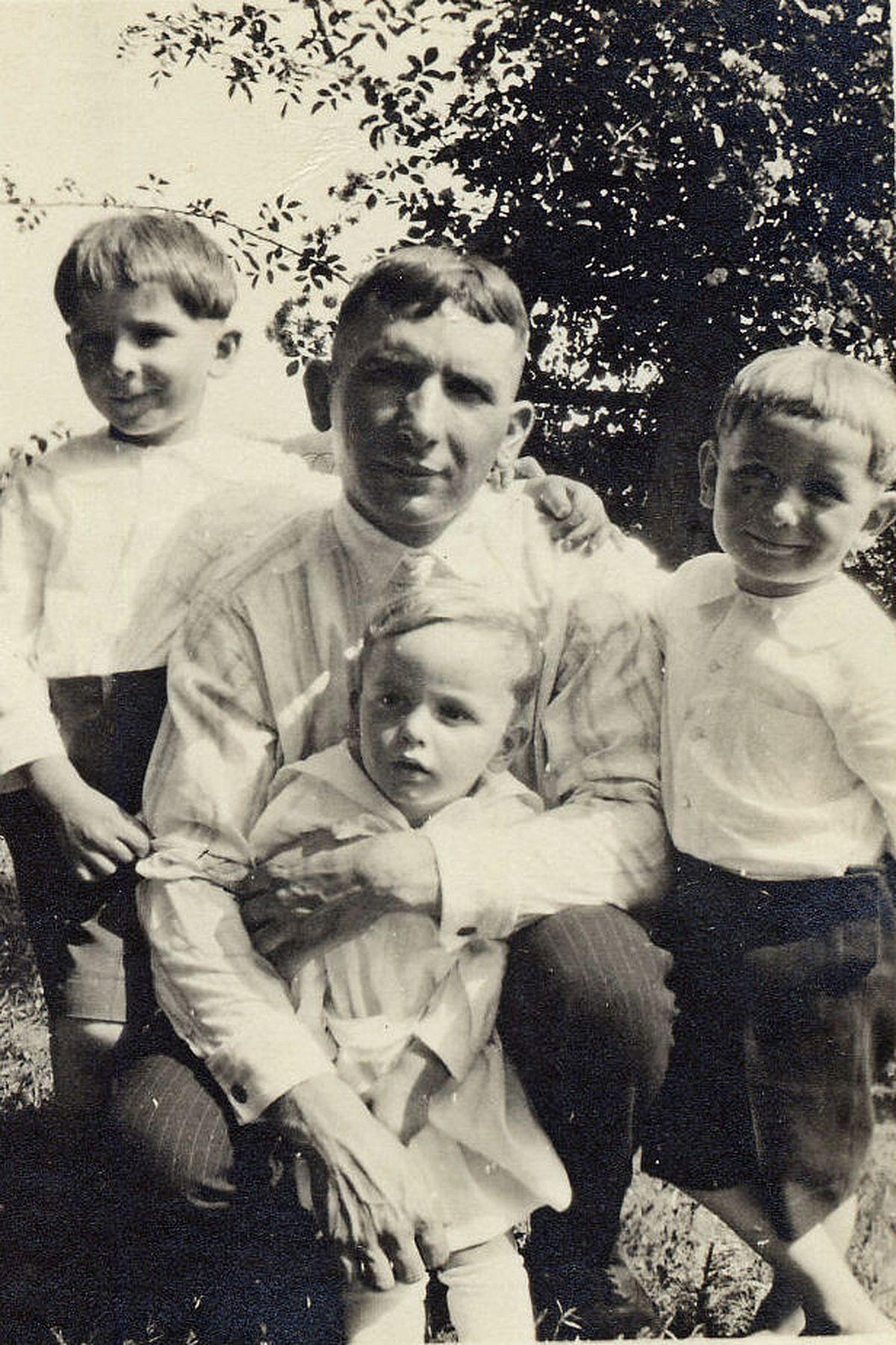 I dream of family history…